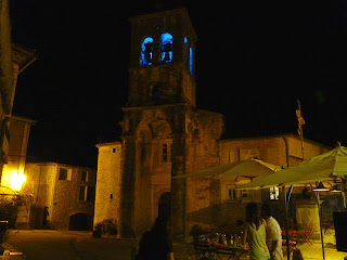 Saint-Pierre-aux-Liens de noche, Labeaume.