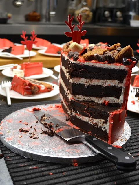 Binnenkant van de dripping cake met chocola en botercreme