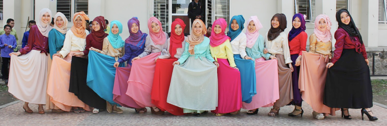 cewek manis pakai hijab manis di UIN