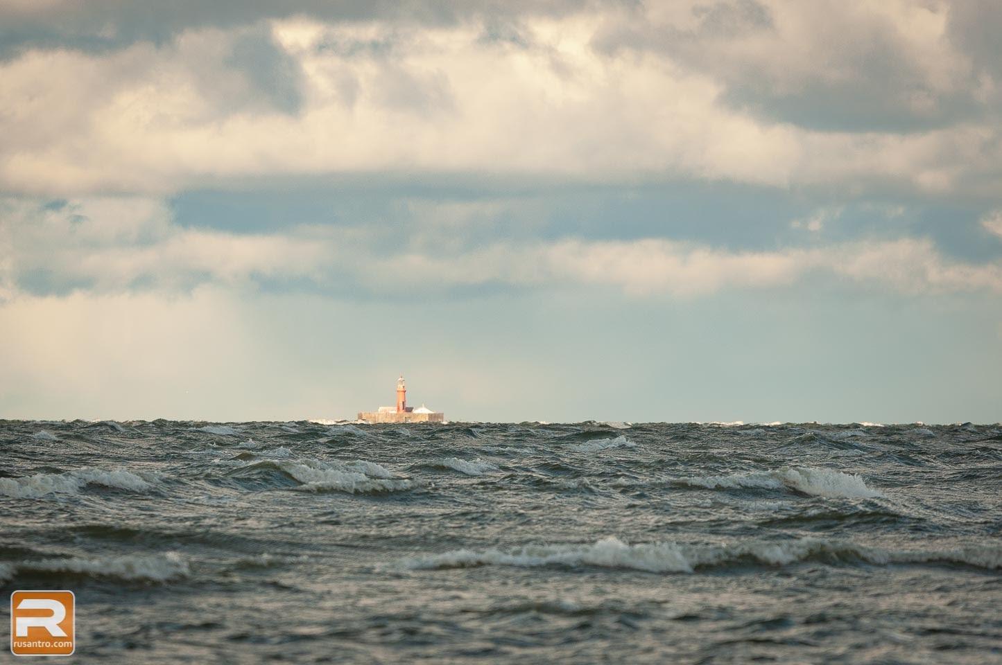 Bāka jūras vidū