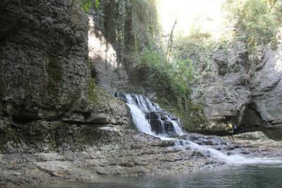 نزهة بين الطبيعة والشلالات شمال جورجيا