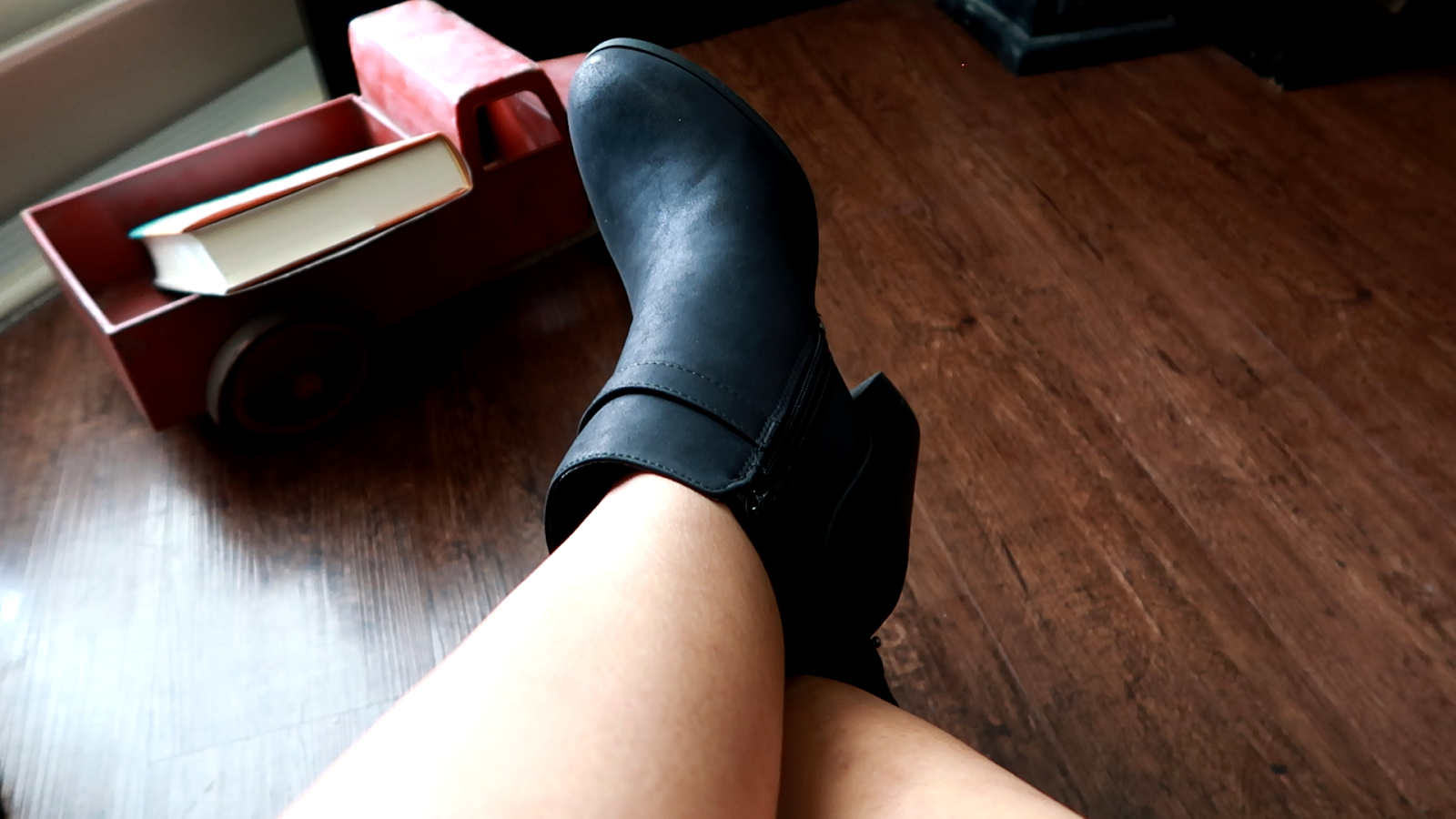 Image: Tangie Bell blogger on bitsandbabbles blog is sharing a story behind her boots. The boots are from Old Navy Store