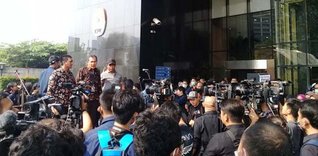 Tolak Revisi UU KPK, Saut Situmorang: Demi Masa Depan Cucu Jokowi!