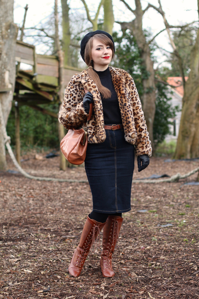 Faux fur leopard print jacket for a casual retro wintry look