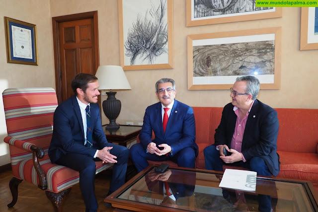 Rodríguez apuesta en La Palma por la cooperación con cabildos y ayuntamientos para cambiar Canarias