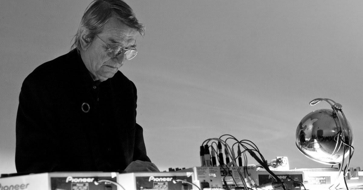 Asmus Tietchens - Formen Letzter Hausmusik