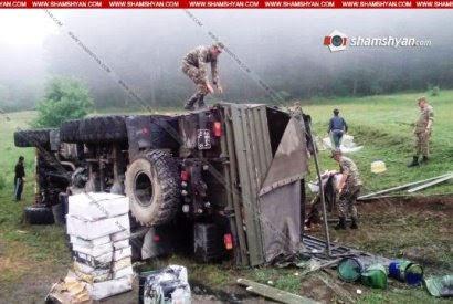 Cuatro soldados mueren en accidente de camión militar