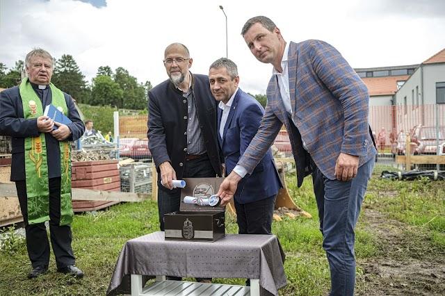 A székelyföldi Karcfalván elkezdődik a jégkorong-akadémia kollégiumának építése