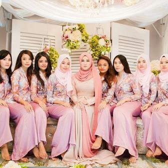 Model Baju Muslim Brokat Kombinasi Satin Terbaru