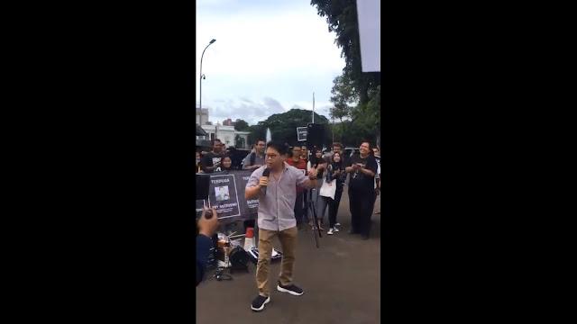 Tokoh Tionghoa Geram, Aksi Kamisan Nyanyikan Mars ABRI dengan Lirik yang Melecehkan