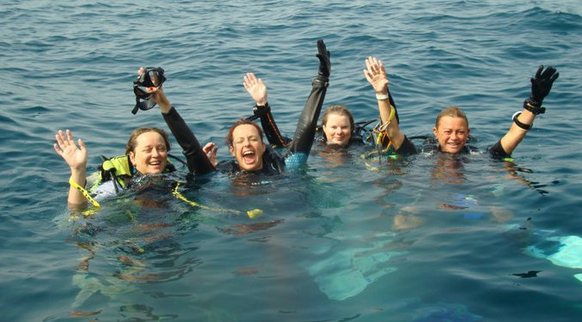 Vance's Dive bLogs: Bobbi and Vance fun diving in Musandam ...