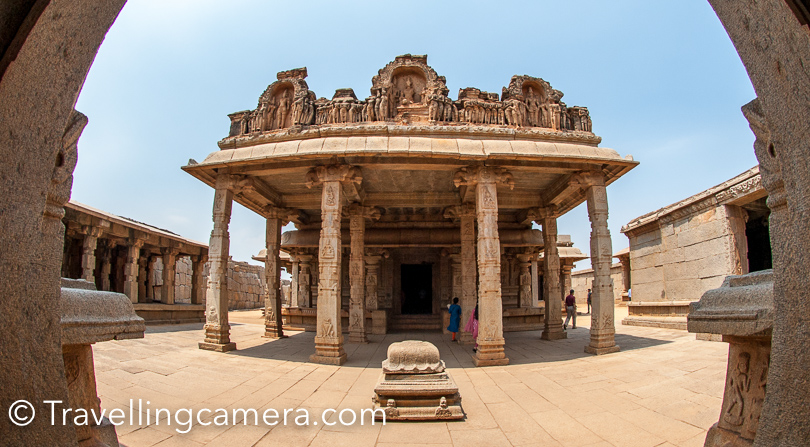 Next halt was Hazararama temple and near that were the ruins of Hampi palace.