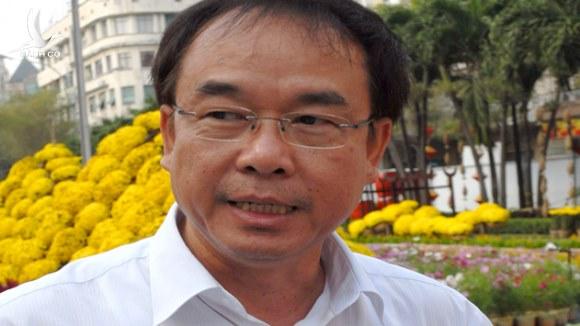 """Cựu Phó chủ tịch UBND TP.HCM Nguyễn Thành Tài bị dính """"mỹ nhân kế"""""""