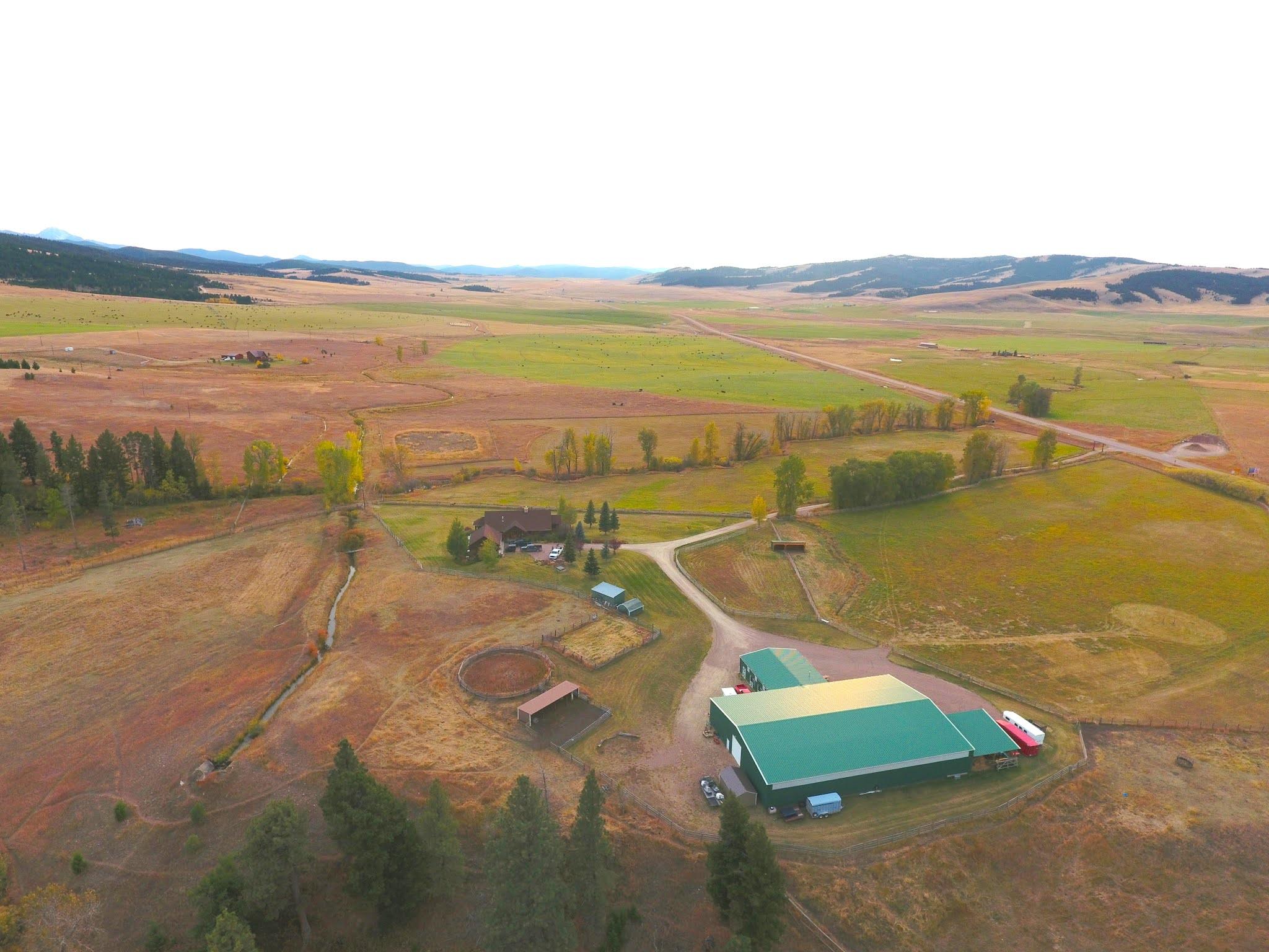 Fox Crossing Farm Montana wedding venue