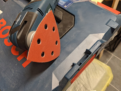 Bosch GOP 12V-28 mit Dreiecksschleifer