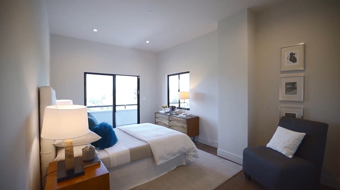 41 Interior Design Photos vs. Tour 140 South Ct, Alamo, CA Luxury Home