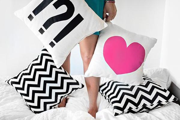 almofadas-na-decoracao-quarto-abrirjanela