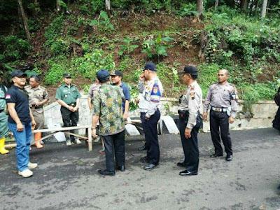http://www.topfm951.net/2020/01/ketua-knkt-terjun-ke-gunung-lio-salem.html#more