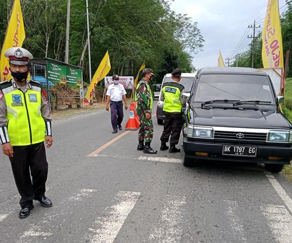 Peran Personel Jajaran Kodim 0207/Simalungun Laksanakan Pos Pam Idul Fitri Bersama Instansi Terkait