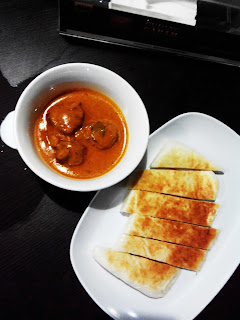 Roti Naan with Curry Mutton