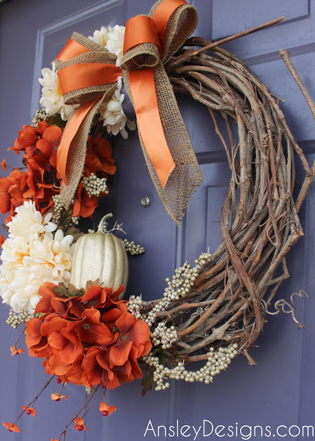 DIY fall floral wreath. Hydrangeas pumpkin autumn