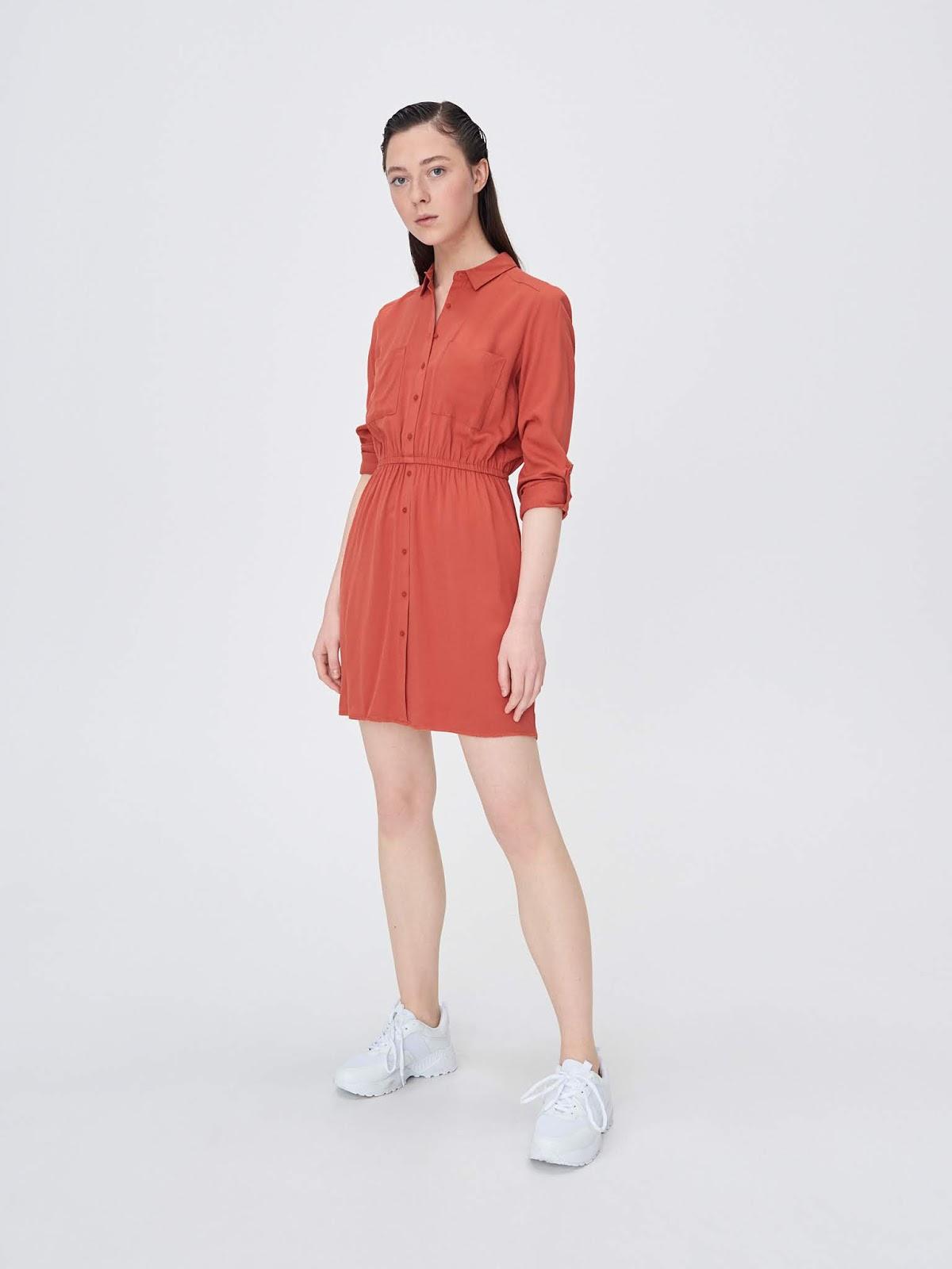 Koszulowa sukienka z elastyczną talią sinsay