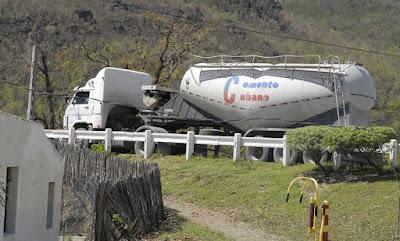 Cajobabo ha recibido varios materiales de construcción para la recuperación