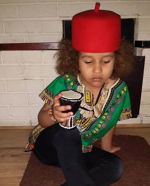 Nwa Igbo wearing Okpu Nna ya, issa allowed. 👨👦