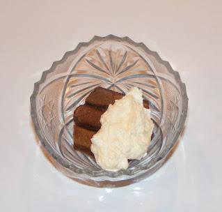 Preparare tiramisu de cacao cu piscoturi oua zahar mascarpone cafea retete desert prajitura tort italian de casa,