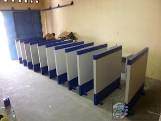 Sekat Partisi Kantor Multiplek HPL + Furniture Semarang