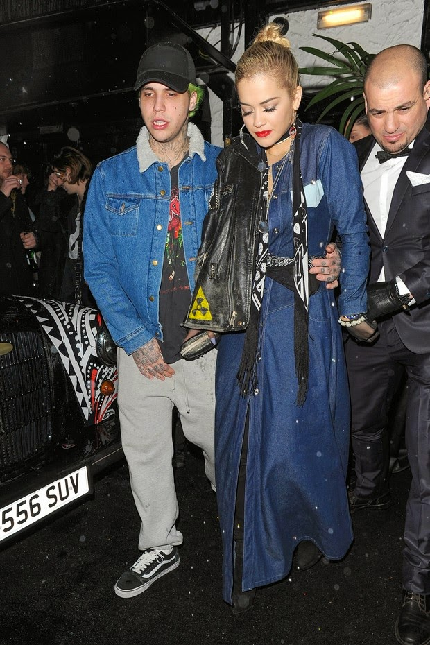 Rita Ora is supported by boyfriend and security by leaving nightclub