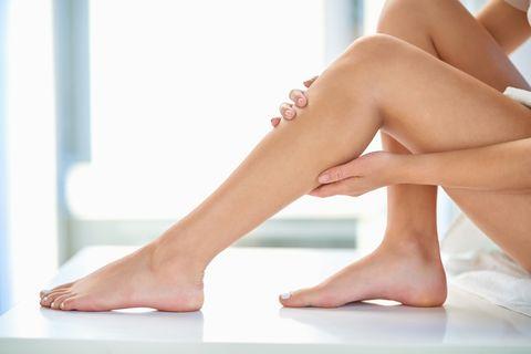Astuces efficaces pour retarder la repousse des poils et les empêcher de devenir plus épais