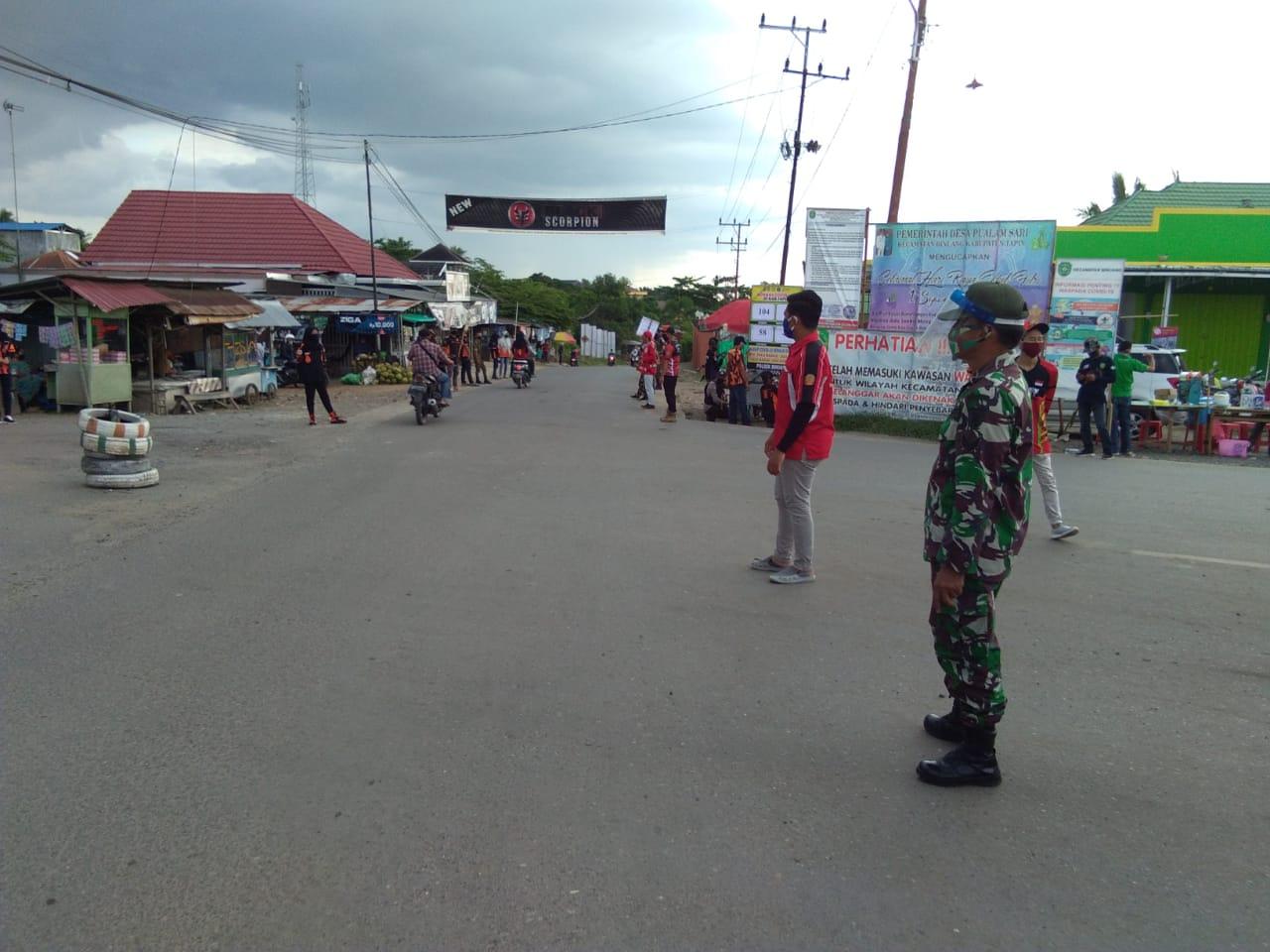 Tim Gabungan Aparat TNI dan petugas kepolisian, Dinas Kesahatan, Pegawai Kecamatan Binuang dan Para Relawan Gelar Razia Gabungan