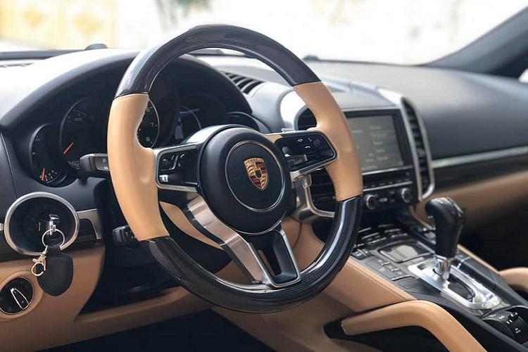 Porsche Cayenne chạy 5 năm, rao bán 3 tỷ ở Sài Gòn