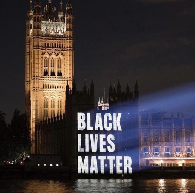 イギリスの国会議事堂にあたるウェストミンスター宮殿に灯されたアメリカの人種差別に反対する抗議のライトアップ‼️