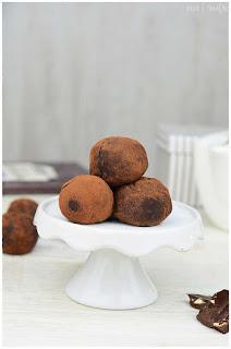 como hacer trufas de chocolate- cómo hacer trufas de chocolate- trufas de chocolate cómo hacer- trufas de chocolate receta sencilla- trufas de chocolate- receta de trufas de chocolate-