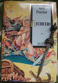 Portada del libro Rechicero, de Terry Pratchett