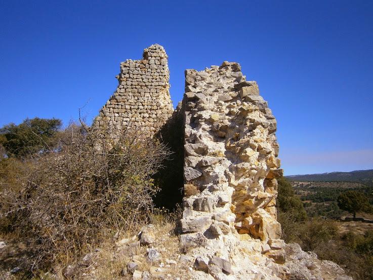 El Castillo de las Malenas, Salinas del Manzano