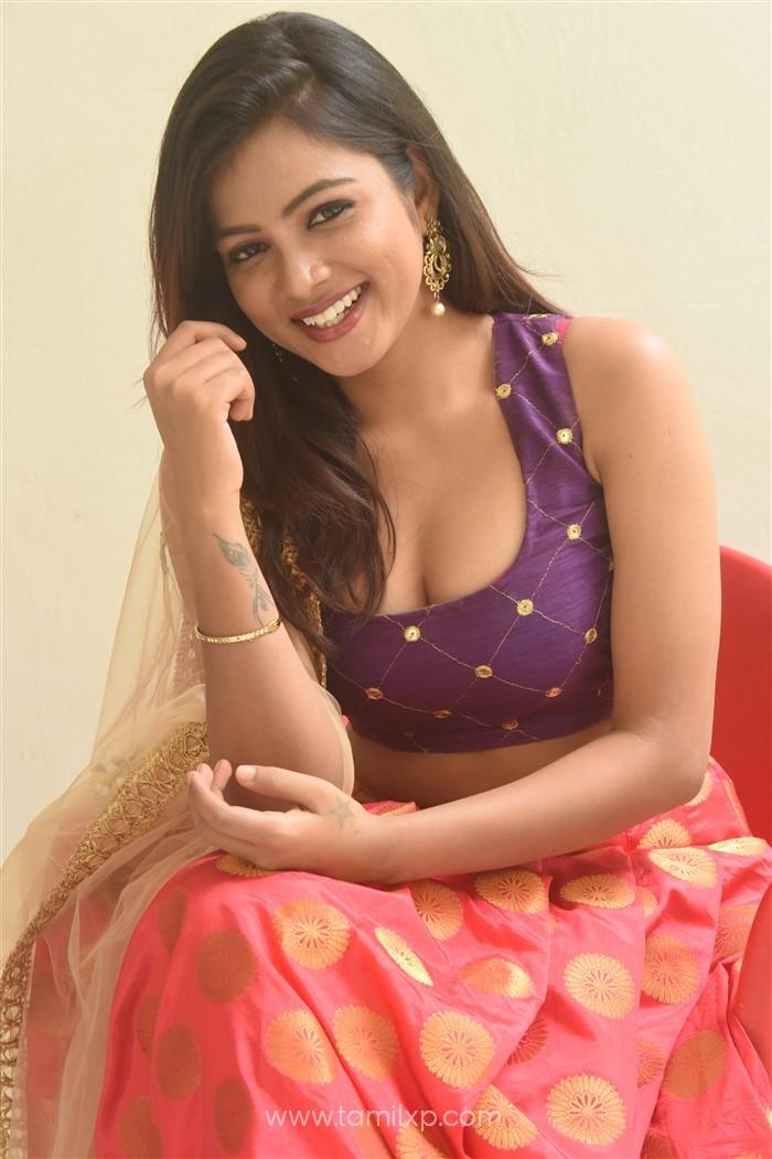 Telugu Actress Renusri Photos