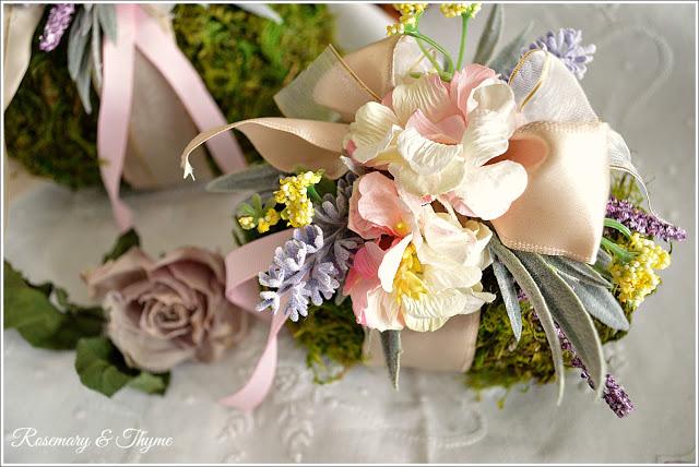 Moss & flower Easter Egg