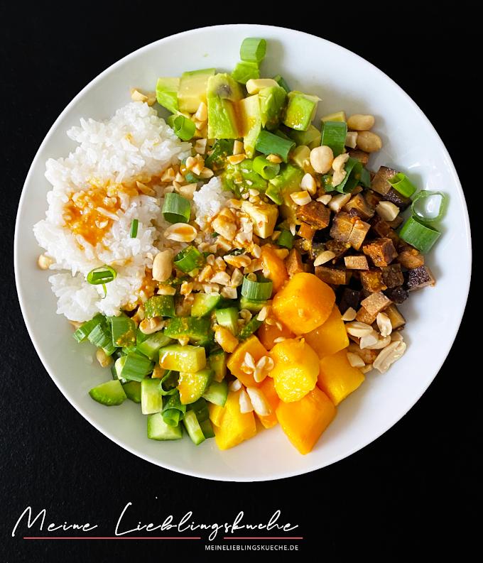 Vegane Poke Bowl mit Mango