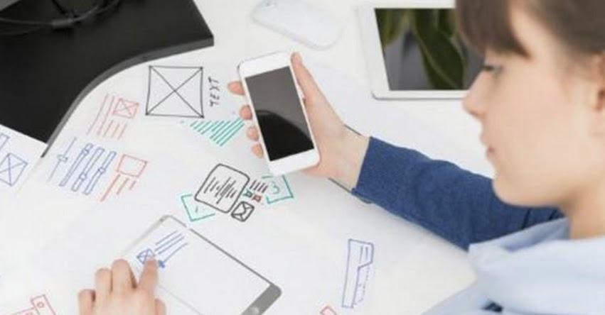Profesionales pueden seguir cursos online sobre tecnología desde plataforma digital