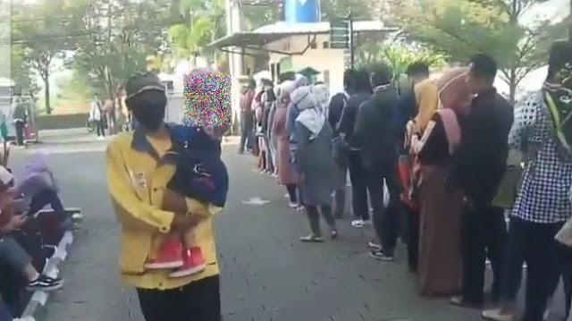 Video Viral Antrean Panjang Warga Bandung di Pengadilan Agama, Ternyata Mau Cerai
