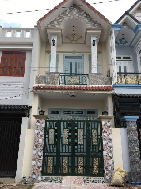 Mẫu cửa + cổng sắt nhà phố Bình Thung GH28
