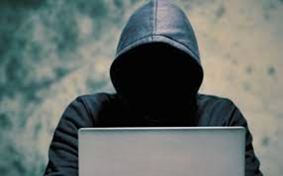 Lei contra 'stalking' é sancionada; perseguição, digital ou física, pode levar a 3 anos de prisão