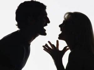 Genova, durante una lite furiosa con l'ex fidanzato: lei lo morde e gli stacca la lingua. Arrestata