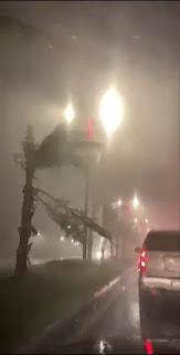 شاهد بالفيديو غزارة الأمطار وسرعة الرياح في جدة