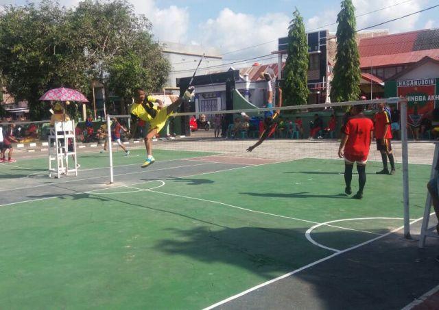 "Meriahkan HUT TNI Ke 72, Letkol ARM.Yuwono, Buka Kejuaraan Takraw "" Dandim Cup I """