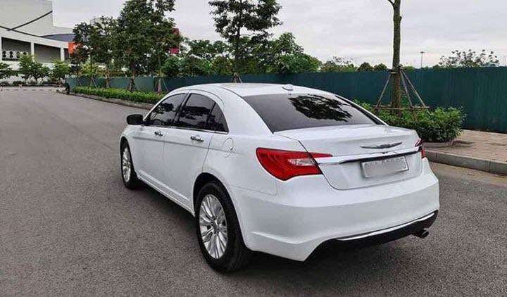 Xe hiếm Chrysler 200 rao bán tại Việt Nam