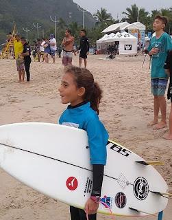 Surfista Natália Gerena, 11 anos, entra na lista das  treze melhores atletas do feminino paulista sub-16